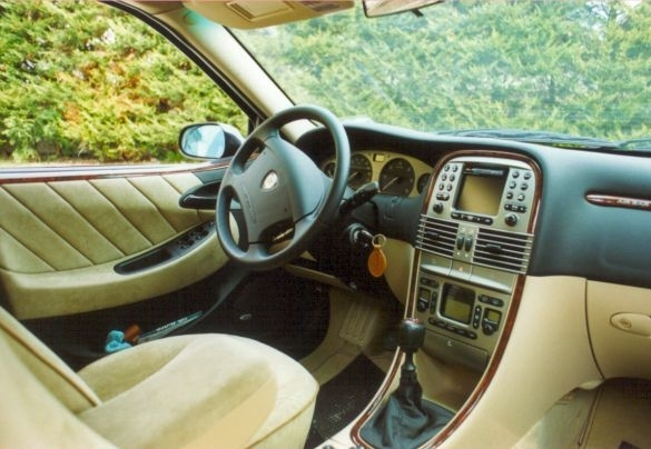 Lancia Lybra 1.6