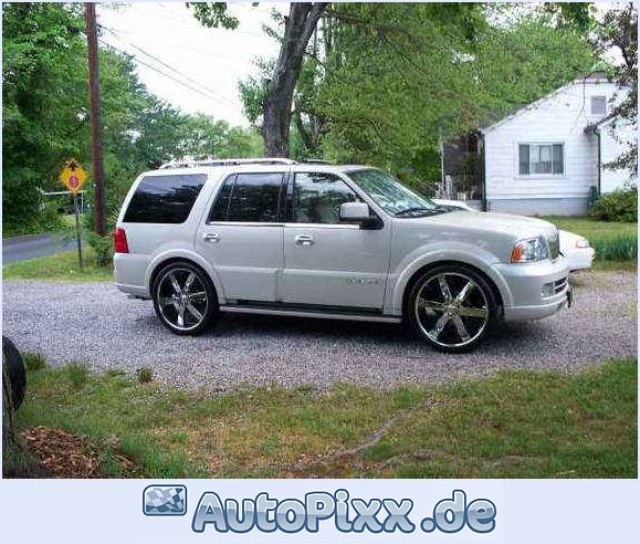 Lincoln Navigator V6: View Of Lincoln Navigator. Photos, Video, Features And