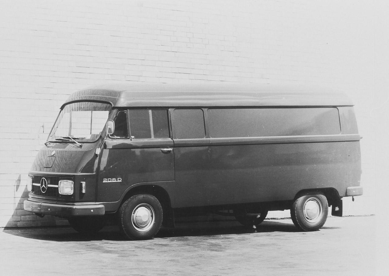 Mercedes-Benz T2 (Hanomag Henschel) 206 D 2.2
