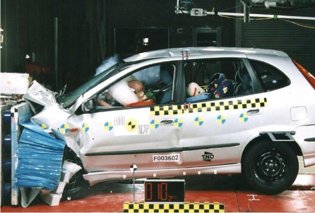 Nissan Almera 1.6 Lux