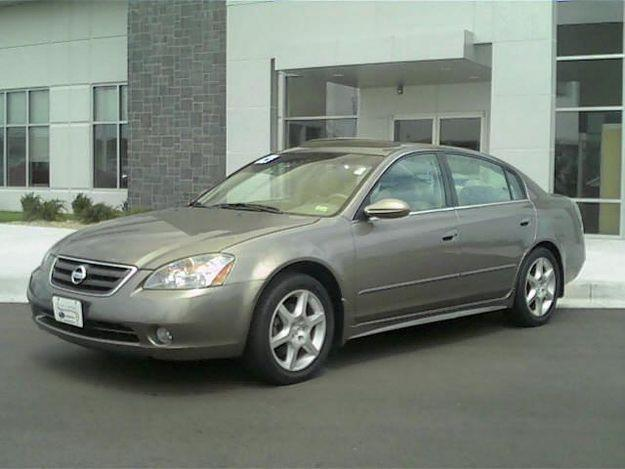 view of nissan altima 3 5 se photos video features and tuning of vehicles. Black Bedroom Furniture Sets. Home Design Ideas
