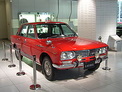 Nissan Laurel 2.6 C230