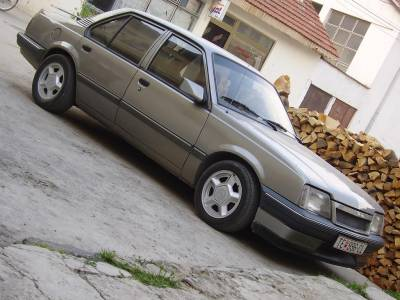 Opel Ascona 1.3