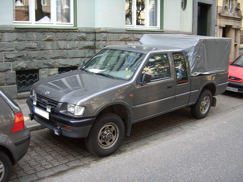 Opel Campo 2.3