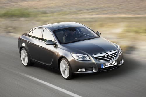 view of opel insignia 2.0 turbo 4x4. photos, video, features and