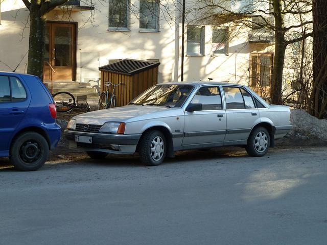 Opel Rekord 2.0i GLE