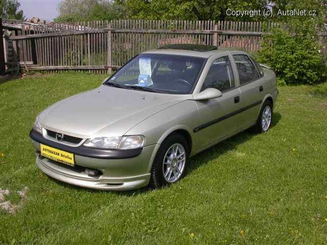 Opel Vectra 1.6 i 16V AT