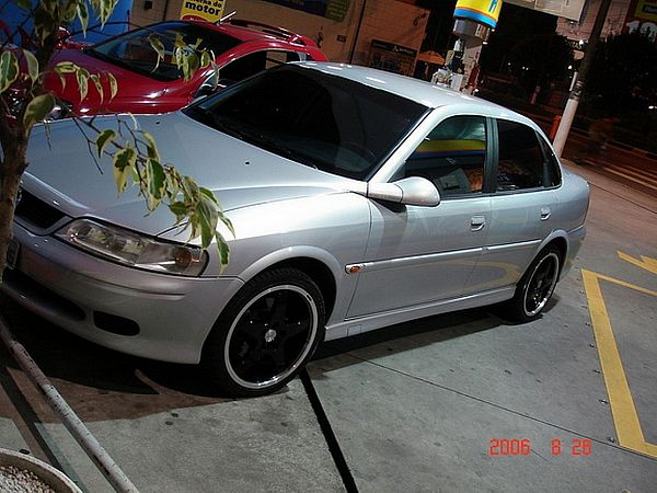 Opel Vectra 2.2