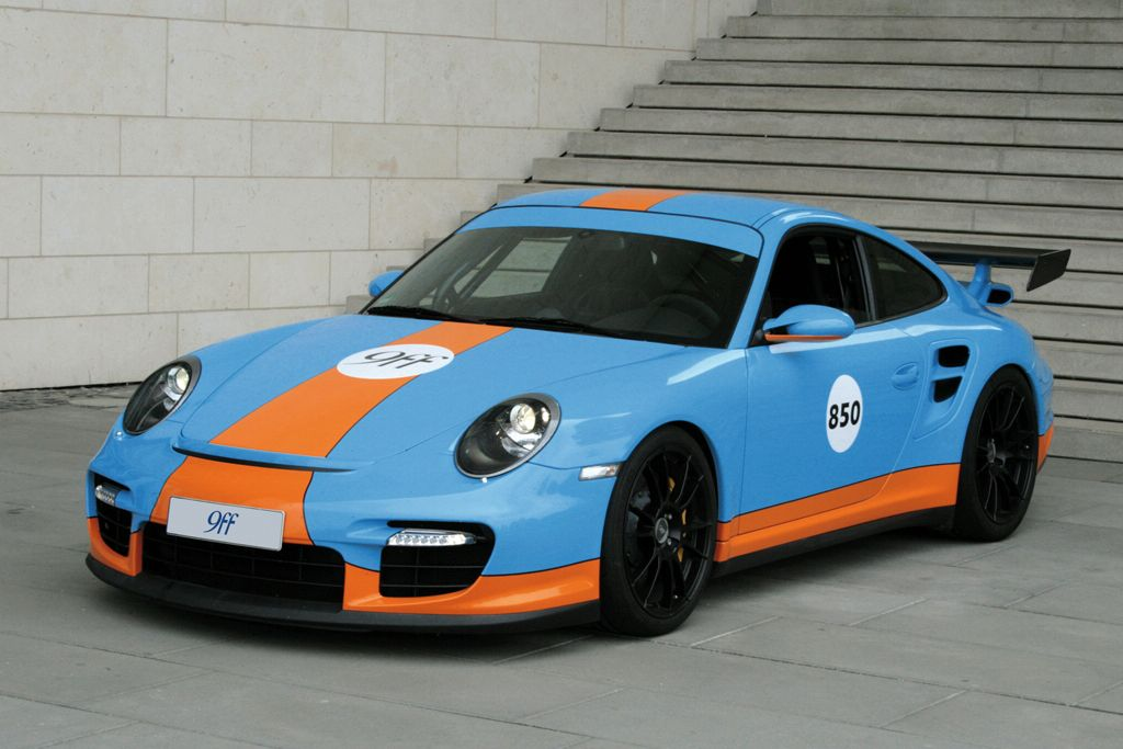 Porsche 911 GTR