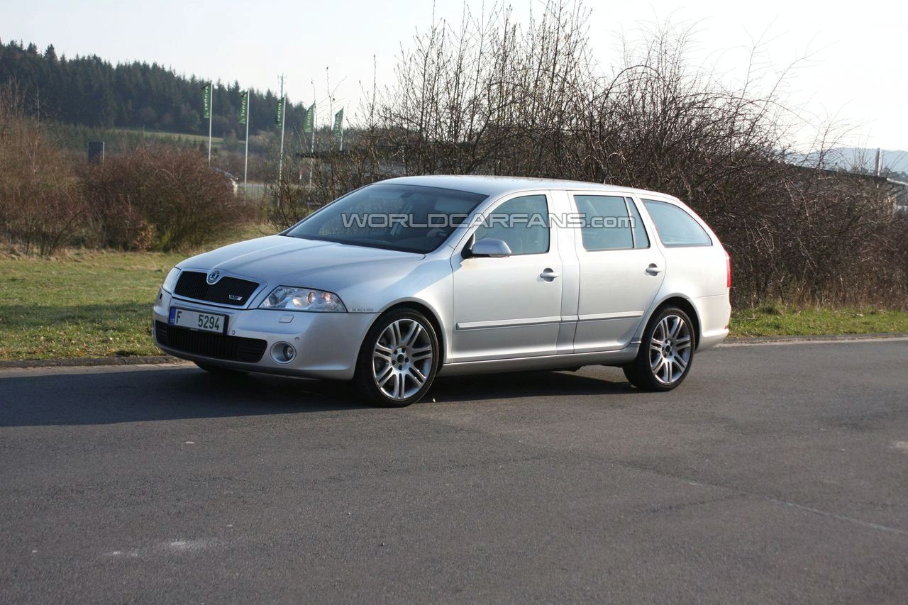 View Of Skoda Octavia 2 0 Combi Photos Video Features And Tuning Of Vehicles Gr8autophoto Com