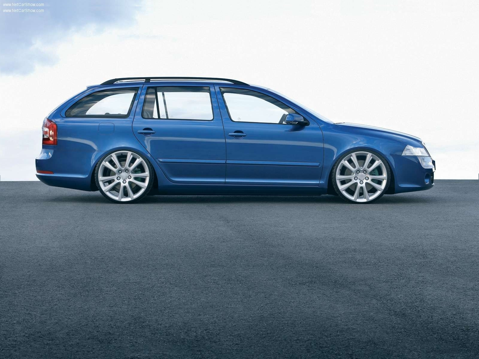 View Of Skoda Octavia Rs Photos Video Features And Tuning Of Vehicles Gr8autophoto Com