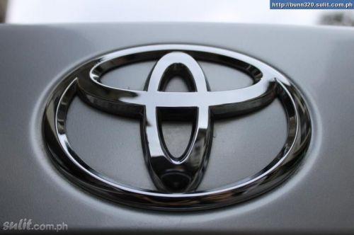 Toyota Camry 2.4 MT