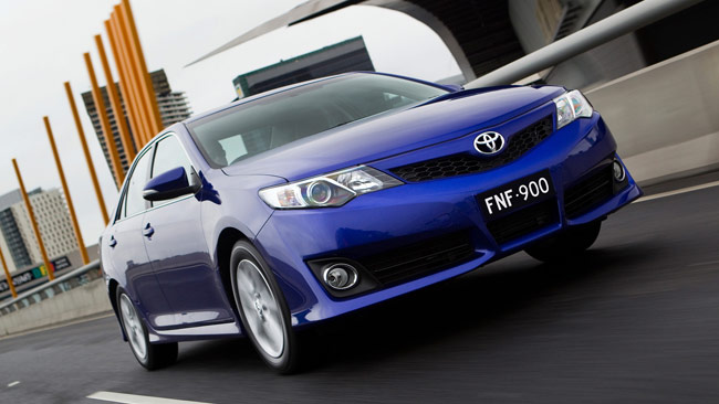 Toyota Camry 2.5 AT Elegance