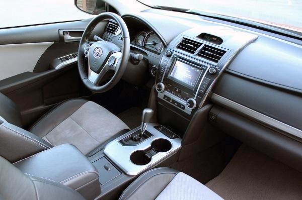 Toyota Camry SE V6