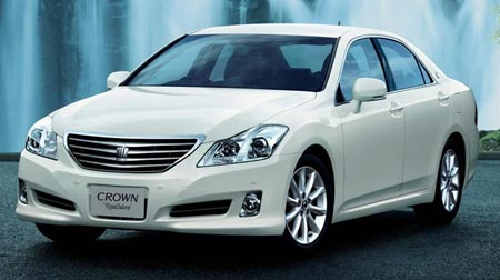 Toyota Crown Royale