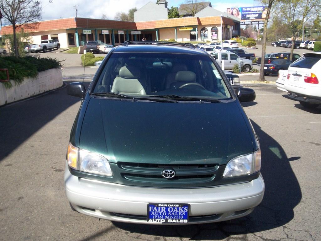 Toyota Sienna XLE Limited