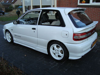 Toyota Starlet 1.3 16V AT