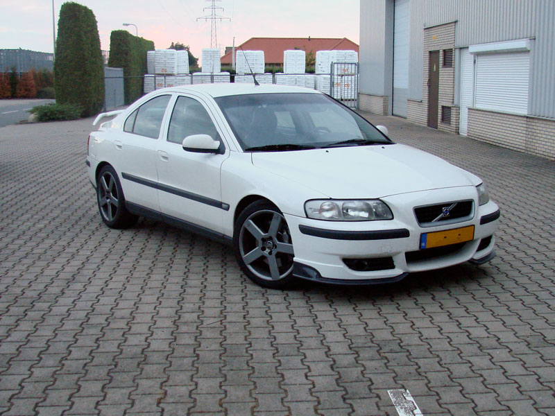 Volvo S60 2.5 T AT