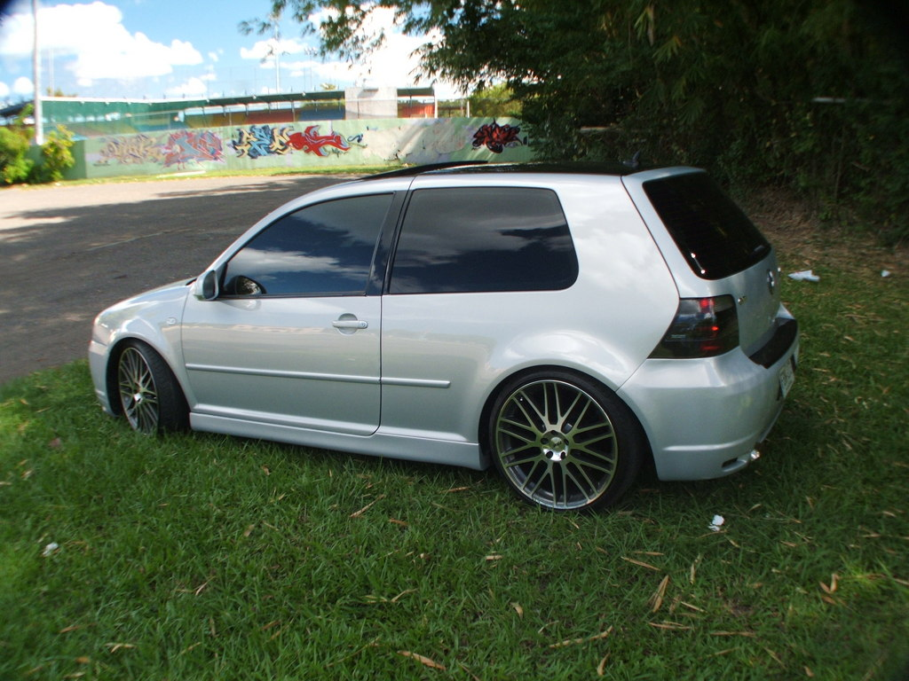 Volkswagen Golf 2.8 VR6 MT