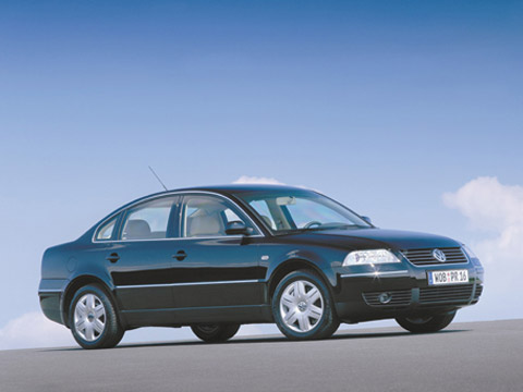 Volkswagen Passat 2.3 i VR5 20V MT