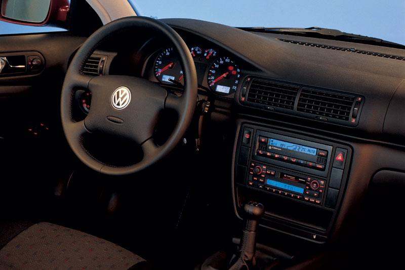 Volkswagen Passat 2.3 VR5 AT