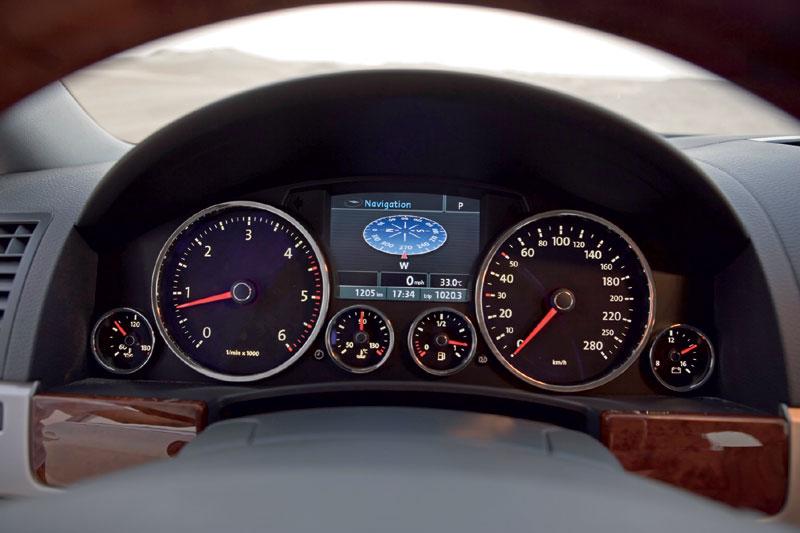 Volkswagen Touareg 6.0 W12