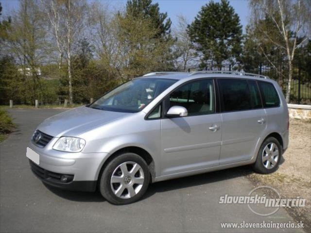 view of volkswagen touran 1 6 fsi photos video features. Black Bedroom Furniture Sets. Home Design Ideas
