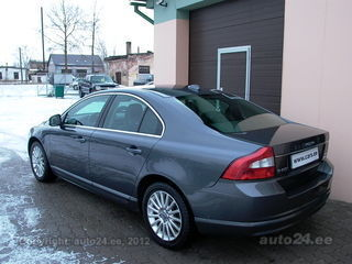 Volvo S80 2.4 D5 AWD AT Momentum