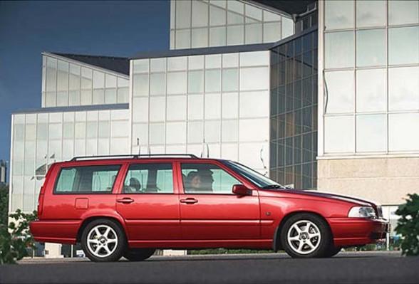 Volvo V70 2.0