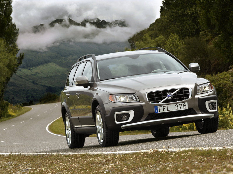 Volvo XC70 2.4 T 193hp AWD MT