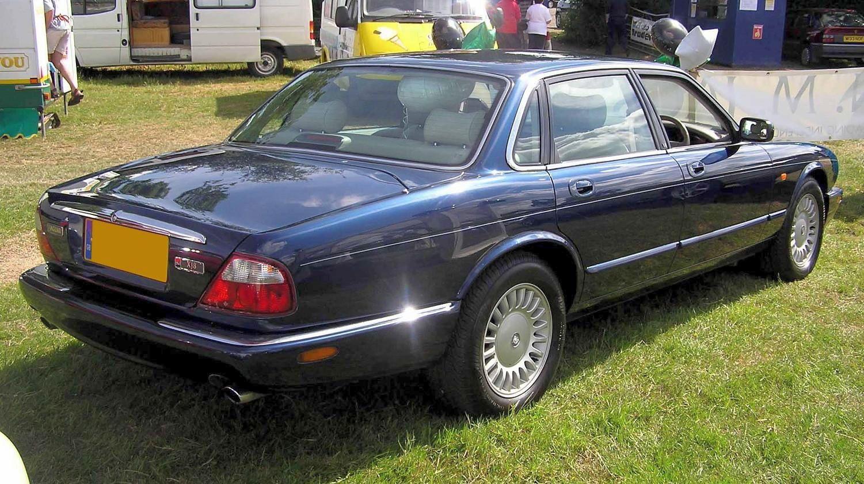 Jaguar XJ 8