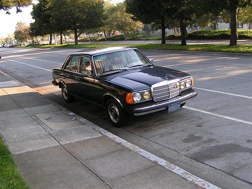 Mercedes-Benz 240 240 D