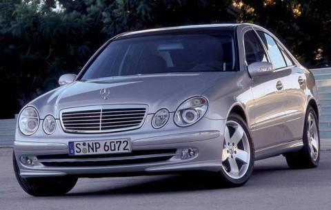 Mercedes-Benz E 200 AT