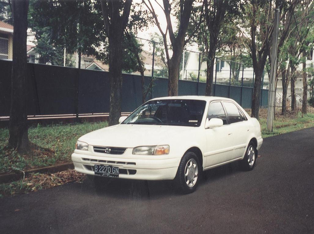 Toyota Corolla 1.6 Sedan