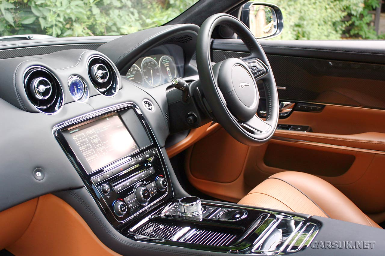 Jaguar XJ 3.0 AT SWB Portfolio
