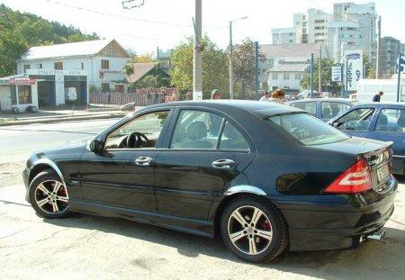 Mercedes-Benz 200